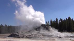 Έκρηξη Geyser του Castle απόθεμα βίντεο
