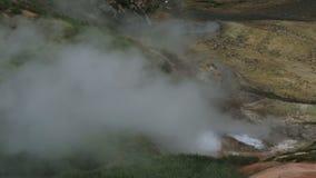 Έκρηξη geyser Bolshoy στην κοιλάδα Geysers του βίντεο μήκους σε πόδηα αποθεμάτων απόθεμα βίντεο