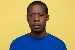 Έκφραση απογοήτευσης Δυστυχισμένο μαύρο αρσενικό Στοκ Εικόνες