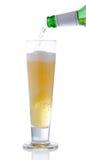 έκχυση μπύρας στοκ φωτογραφίες με δικαίωμα ελεύθερης χρήσης