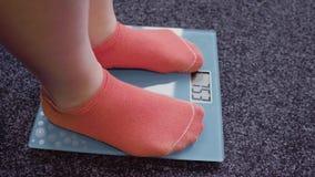 Έλεγχος του βάρους στις κλίμακες φιλμ μικρού μήκους
