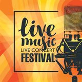 Έμβλημα για τη συναυλία της ζωντανής μουσικής με το μικρόφωνο διανυσματική απεικόνιση