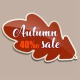 Έμβλημα πώλησης φθινοπώρου με το κόκκινο δρύινο φύλλο - 40 τοις εκατό μακριά Στοκ εικόνες με δικαίωμα ελεύθερης χρήσης