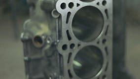 Έμβολα της μηχανής με τις συνδέοντας ράβδους Ανταλλακτικά για τη μηχανή diesel απόθεμα βίντεο