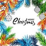 Έμβλημα διακοπών Χαρούμενα Χριστούγεννας με τους πολύχρωμα κλάδους έλατου, τα παιχνίδια και την εγγραφή καλλιγραφίας Στοκ φωτογραφίες με δικαίωμα ελεύθερης χρήσης