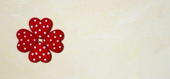 Έμβλημα καρδιών αγάπης Στοκ φωτογραφία με δικαίωμα ελεύθερης χρήσης