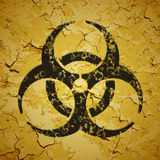 Έμβλημα που χρωματίζεται μαύρο στον τοίχο grunge - biohazard lo Στοκ φωτογραφία με δικαίωμα ελεύθερης χρήσης