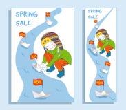 Έμβλημα πώλησης άνοιξη με το χαριτωμένο κορίτσι Στοκ Φωτογραφίες