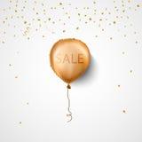 Έμβλημα πώλησης με το μπαλόνι επίσης corel σύρετε το διάνυσμα απεικόνισης Χρυσό μπαλόνι Στοκ Εικόνες