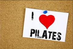 Έμπνευση τίτλων κειμένων γραψίματος χεριών που παρουσιάζει έννοια Pilates αγάπης Ι που σημαίνει την αγάπη άσκησης Workout ισορροπ Στοκ Φωτογραφίες