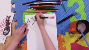 Έναρξη μικρών κοριτσιών που επισύρει την προσοχή στη Λευκή Βίβλο απόθεμα βίντεο