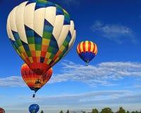 Έναρξη πρωινού των μπαλονιών ζεστού αέρα Στοκ φωτογραφία με δικαίωμα ελεύθερης χρήσης