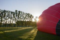 Έναρξη πρωινού των μπαλονιών ενός ζεστού αέρα Στοκ φωτογραφία με δικαίωμα ελεύθερης χρήσης