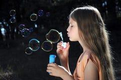 έναρξη σαπουνιών παιδιών φυ& Στοκ φωτογραφίες με δικαίωμα ελεύθερης χρήσης