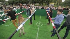 Έναρξη την απεργία στο επιτραπέζιο ποδοσφαιρικό παιχνίδι απόθεμα βίντεο