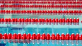 Έναρξη του ανταγωνισμού κολύμβησης, άλμα στο νερό φιλμ μικρού μήκους