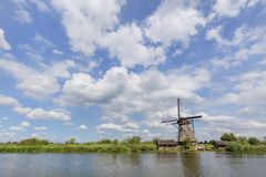Ένας ανεμόμυλος σε Kinderdijk, Κάτω Χώρες στοκ φωτογραφία με δικαίωμα ελεύθερης χρήσης