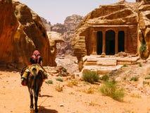 Ένας βεδουίνος οδηγός στη Petra στοκ εικόνες