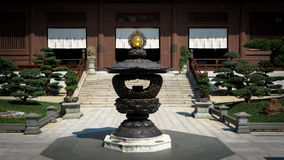 Ένας βουδιστικός ναός στη Chi μονή καλογραιών της Lin, Kowloon, Χογκ Κογκ στοκ εικόνες