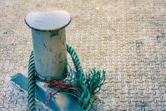 Ένας γάντζος σχοινιών στον πόλο Στοκ εικόνες με δικαίωμα ελεύθερης χρήσης