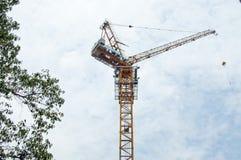 Ένας γερανός κατασκευής Στοκ Εικόνα