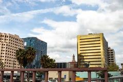 Ένας γύρος των εταιρικών γραφείων στη στο κέντρο της πόλης περιοχή του San Jose στοκ εικόνα με δικαίωμα ελεύθερης χρήσης