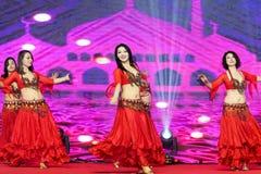 Ένας εμπαθής χορός κορίτσι-κοιλιών της Τουρκίας Στοκ Εικόνες