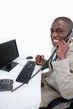 Ένας επιχειρηματίας που απαντά στο τηλέφωνο Στοκ εικόνα με δικαίωμα ελεύθερης χρήσης