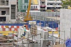 Ένας εργάτης οικοδομών που περιμένει την οδηγία Στοκ Εικόνα