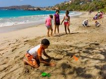 Ένας ετήσιος ανταγωνισμός sandcastle στα προσήνεμα νησιά Στοκ Φωτογραφία