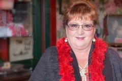 Ένας θηλυκός εθελοντής στο σπίτι της Dolly Στοκ Εικόνα