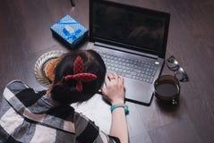 Ένας θηλυκός blogger Στοκ Εικόνες