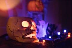 Ένας κάτοχος κεριών κρανίων Στοκ εικόνα με δικαίωμα ελεύθερης χρήσης