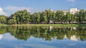Ένας καθρέφτης του νερού Στοκ φωτογραφίες με δικαίωμα ελεύθερης χρήσης
