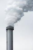 Ένας καπνώδης σωρός καπνοδόχων Στοκ φωτογραφία με δικαίωμα ελεύθερης χρήσης