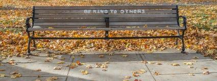 Ένας καφετής πάγκος με ένα μήνυμα που κρυπτογραφείται Στοκ Φωτογραφίες