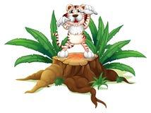 Ένας κορμός με μια τρομακτική τίγρη ελεύθερη απεικόνιση δικαιώματος