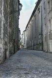 Ένας κυβόλινθος ευθυγράμμισε την πίσω οδό Στοκ εικόνες με δικαίωμα ελεύθερης χρήσης