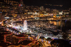 Ένας μεγάλος ορίζοντας του Μόντε Κάρλο σε γαλλικό Riviera τη νύχτα Στοκ Εικόνα