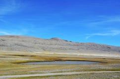 Ένας με τη λίμνη Himalayan Στοκ φωτογραφίες με δικαίωμα ελεύθερης χρήσης