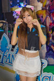 Ένας μη αναγνωρισμένος παρουσιαστής θέτει στο παιχνίδι της Ταϊλάνδης παρουσιάζει ΜΕΓΑΛΟ φεστιβάλ το 2013 Στοκ Εικόνες