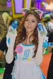 Ένας μη αναγνωρισμένος παρουσιαστής θέτει στο παιχνίδι της Ταϊλάνδης παρουσιάζει ΜΕΓΑΛΟ φεστιβάλ το 2013 Στοκ εικόνα με δικαίωμα ελεύθερης χρήσης
