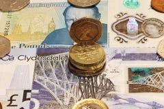 Ένας μικρός λόφος των βρετανικών νομισμάτων στοκ εικόνες