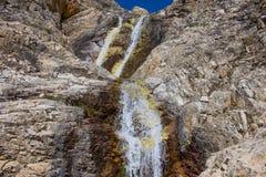Ένας μικρός ποταμός στα βουνά στοκ φωτογραφίες