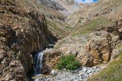 Ένας μικρός ποταμός στα βουνά στοκ φωτογραφία με δικαίωμα ελεύθερης χρήσης