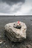 Ένας νάνος σε μια ηφαιστειακή ρύθμιση Στοκ Εικόνες