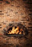 Ένας παραδοσιακός φούρνος για το μαγείρεμα και το ψήσιμο της πίτσας. Στοκ εικόνα με δικαίωμα ελεύθερης χρήσης