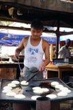 Ένας προμηθευτής στην αγορά στο Mandalay, το Μιανμάρ Στοκ Εικόνες