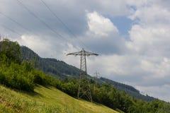 Ένας πυλώνας ηλεκτρικής ενέργειας στο λόφο Στοκ εικόνες με δικαίωμα ελεύθερης χρήσης