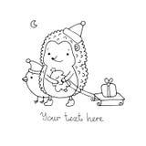 Ένας σκαντζόχοιρος, ένα πουλί, ένα δώρο και ένα χριστουγεννιάτικο δέντρο Στοκ Φωτογραφίες